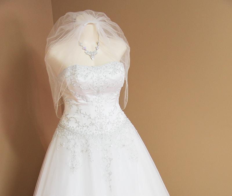 We design and make all kinds of weddings dress